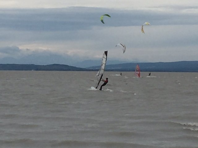 Windsurf Podesdorf am see in camper