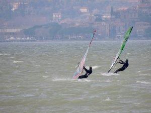 windsurf trasimeno